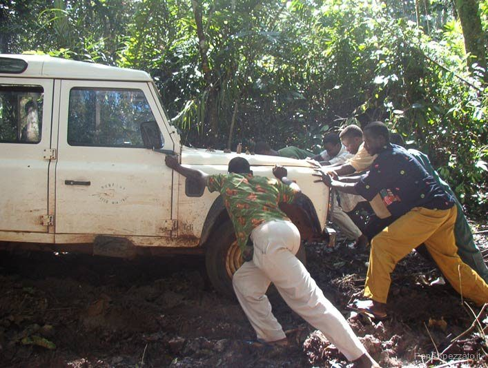 congo_04-jeep-coeimpantanat.jpg